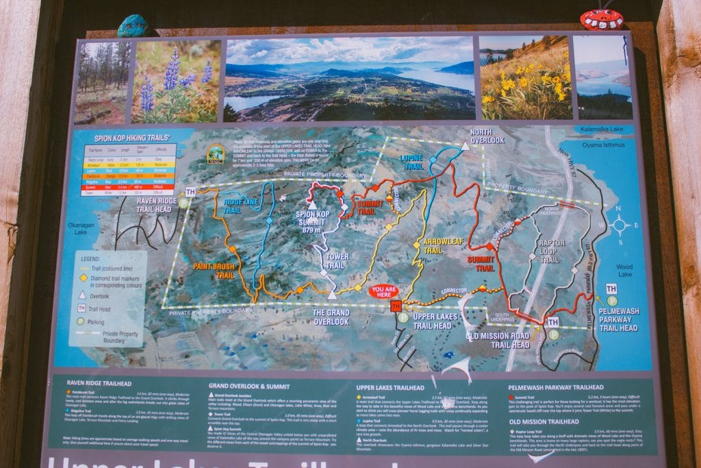 Trail map at the trailhead of the Upper Lakes Trailhead at Spion Kop
