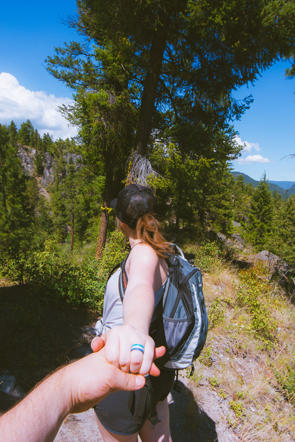 """""""Follow me"""" down the hiking trail in Peachland"""