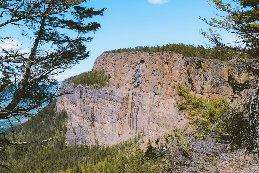 Viewpoint of the foot-shaped cliff face on the Enderby Cliffs trail